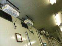 ギョーザ製造工場内の酸素クラスター除菌脱臭装置のメンテナンス
